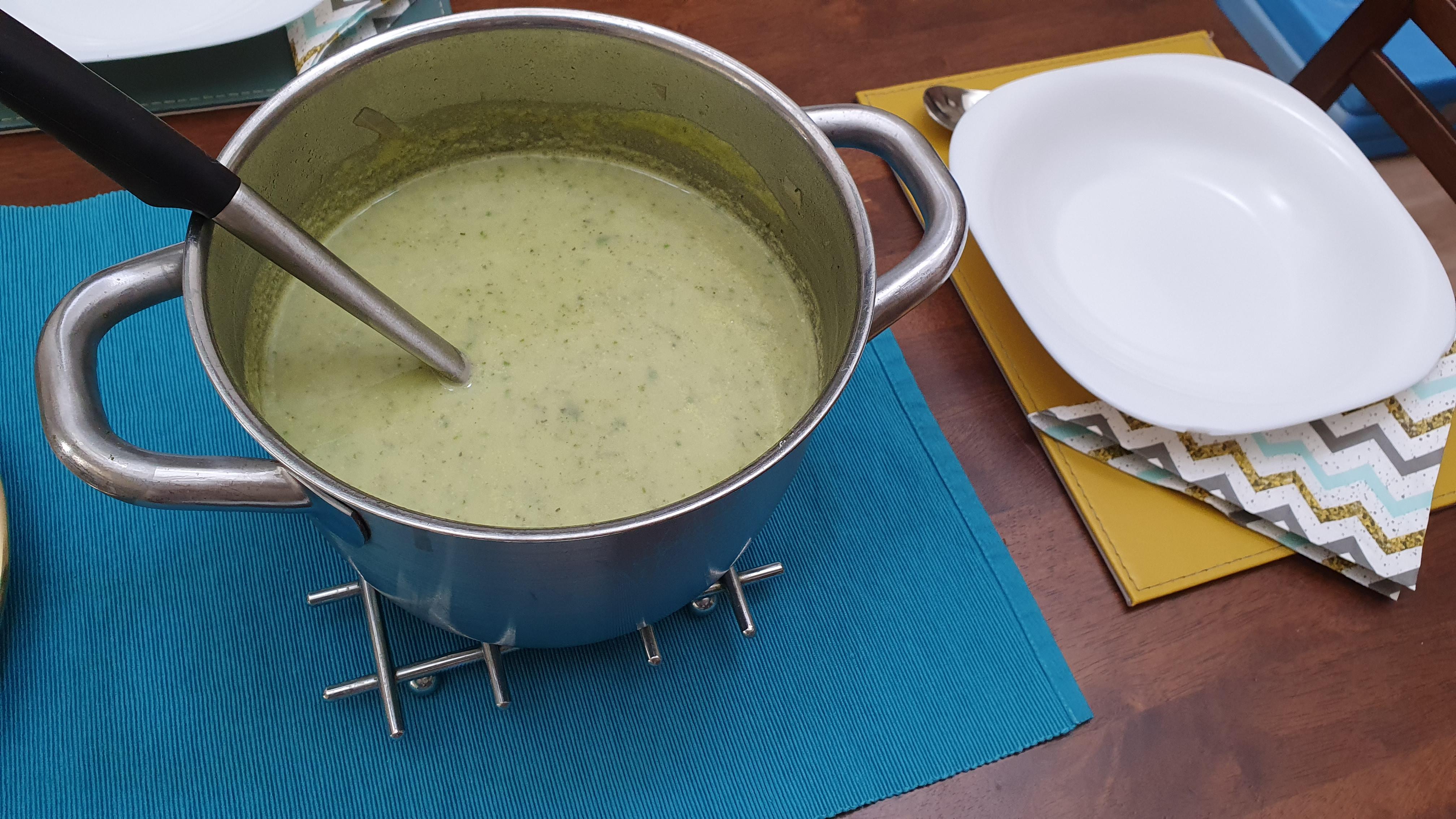 Recept na cuketovú polievku s medvedím cesnakom