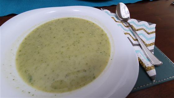 Cuketová polievka s medvedím cesnakom