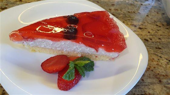 Ľahká jahodová torta