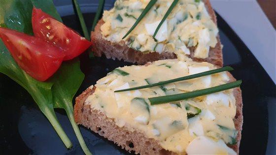 Vajíčková nátierka s bylinkami