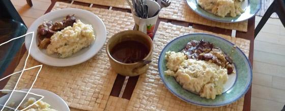 Pečené mäso a majonézový zemiakový šalát – recept