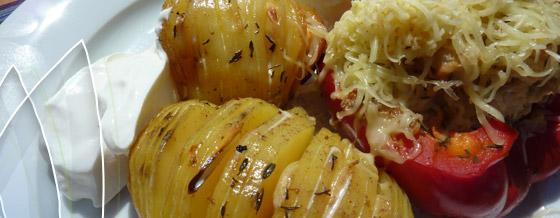 Pečená paprika plnená karfiolom a zemiakové ježky