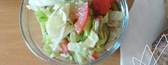 Zeleninový šalát s balzamiko-horčicovou omáčkou