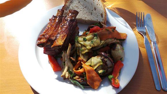 Grilované rebierka s grilovanou zeleninou – recept